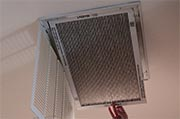 Replace central air conditioning filters Photo