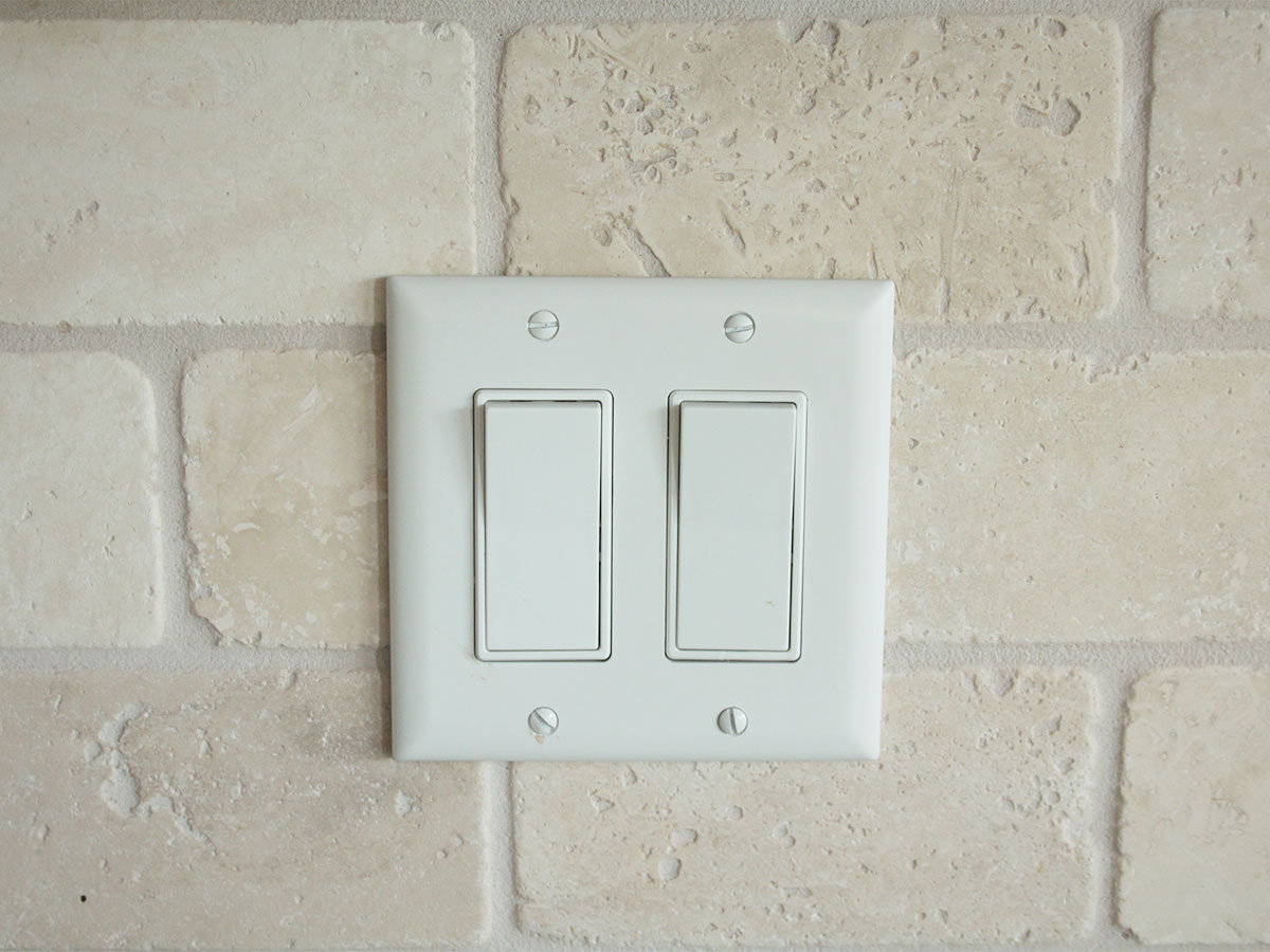 Wipe switch plates